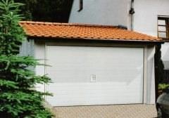 garagenbau garagen als fertiggaragen garage auch zum selber bauen. Black Bedroom Furniture Sets. Home Design Ideas